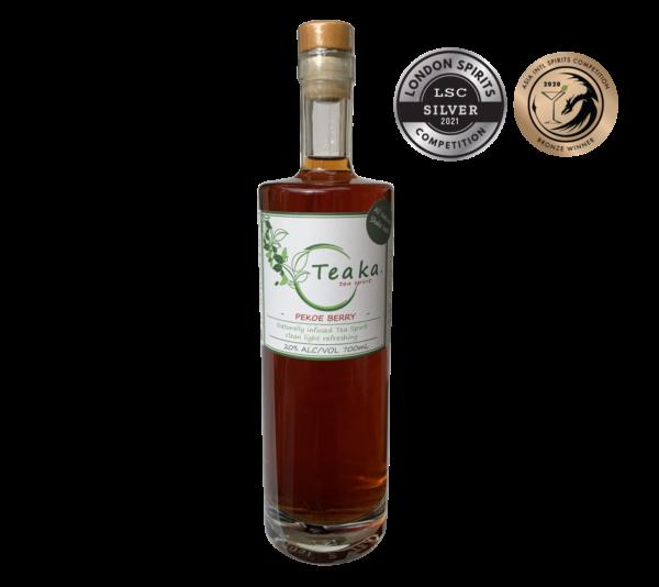 Teaka Pekoe Berry Tea Spirit 700mL